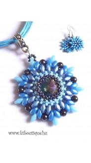 Fonott kosár nyaklánc-fülbevaló szett, kék mix